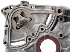 Помпа роторного типа для перекачки масла в двигателе
