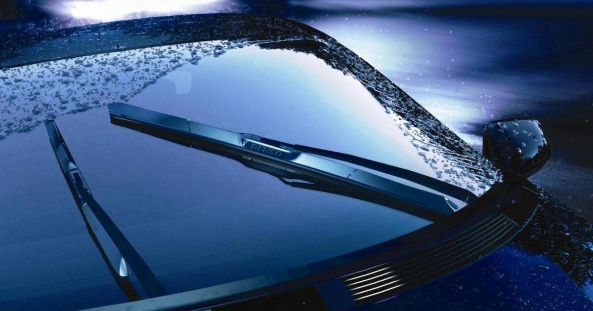 Автомобильный стеклоочиститель