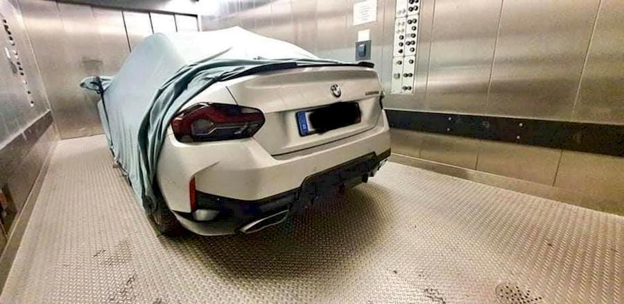 Новый BMW 2-Series Coupe 2022 G42 рассекретили на фотографиях